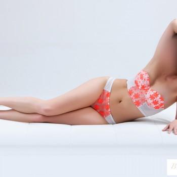 Lauren Escort
