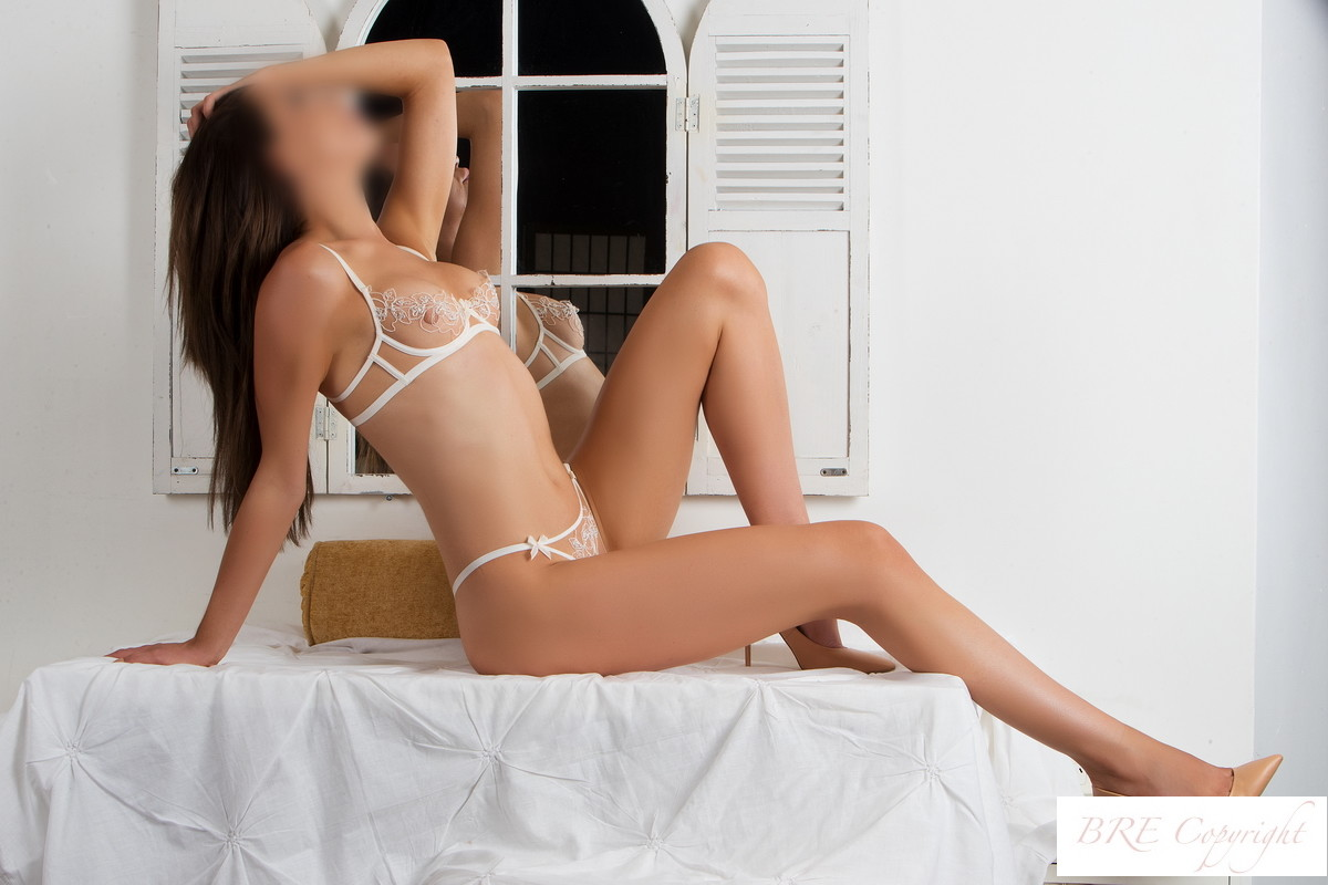 short bedroom eyes escorts